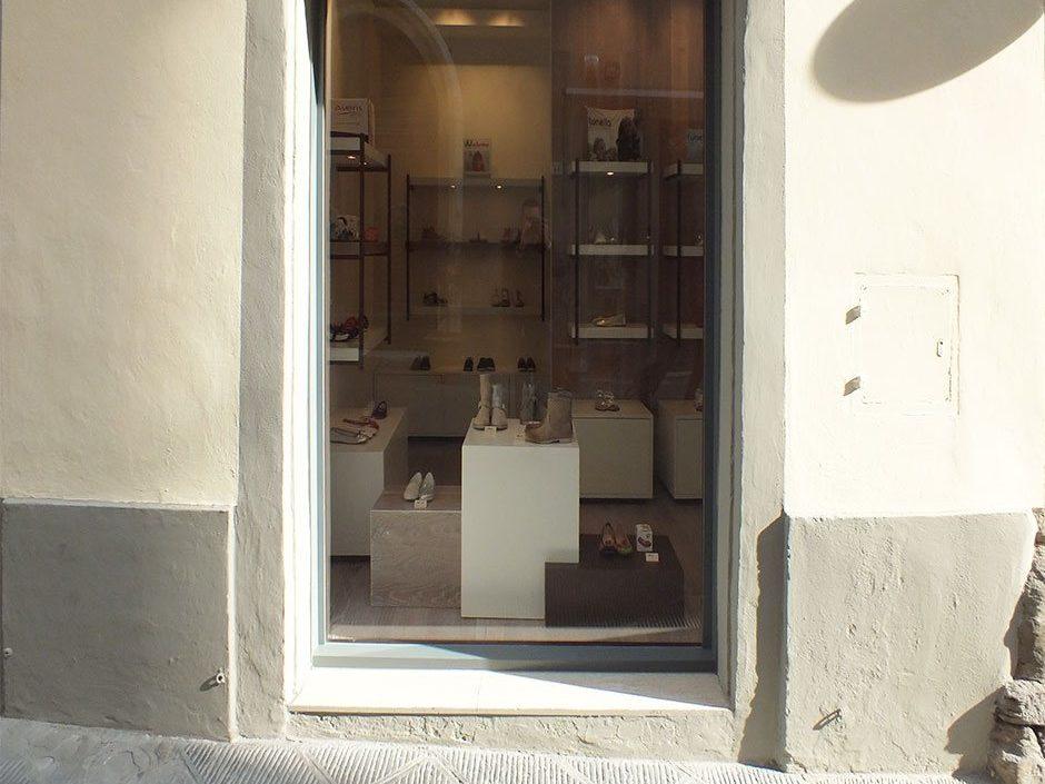 Progettazione e design negozio di scarpe